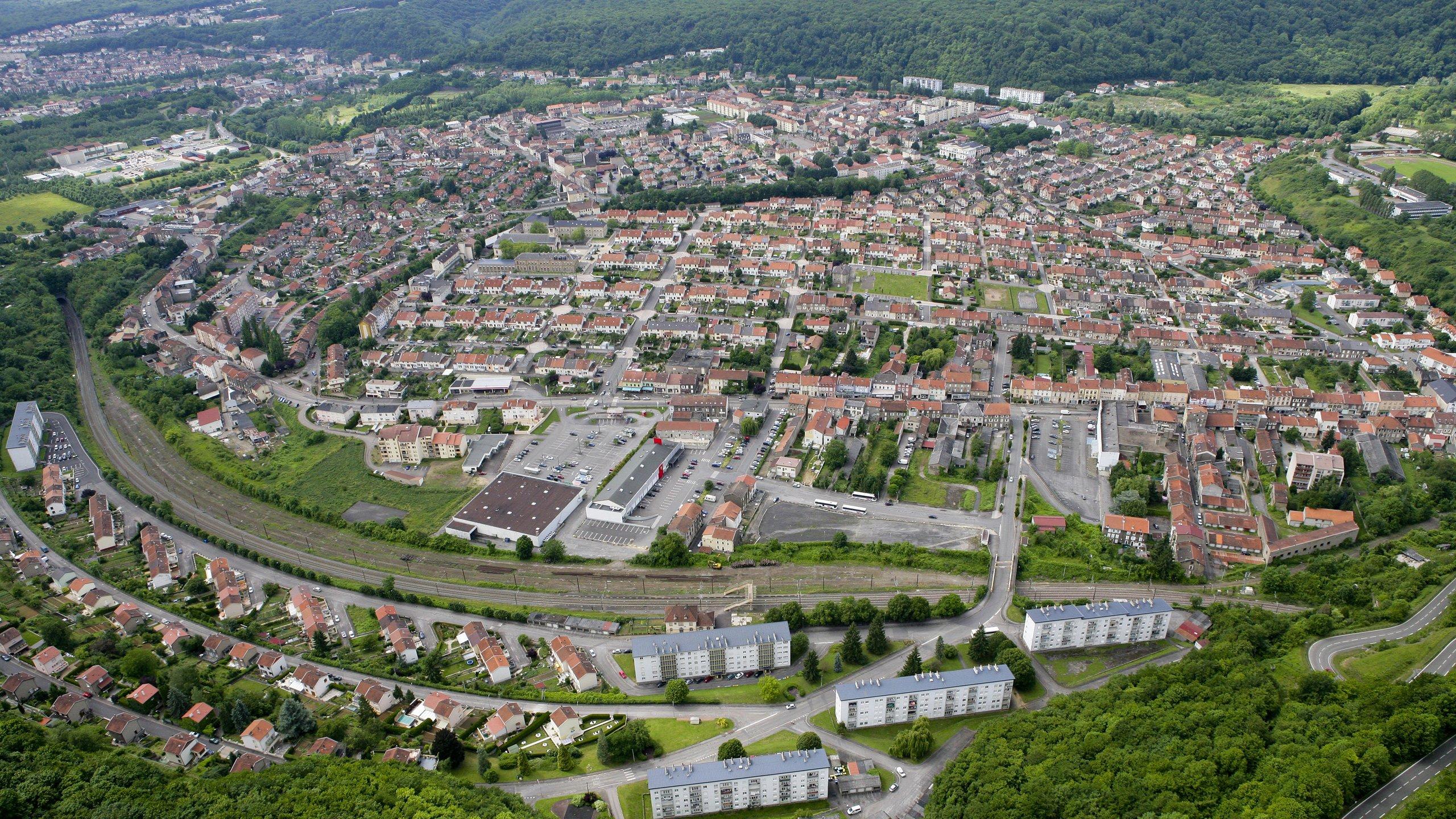 Vue aérienne de la ville de Joeuf