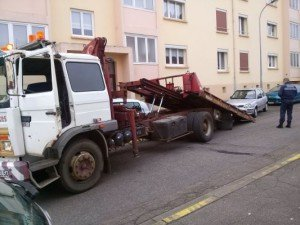 La police municipale passe à l'action sur les véhicules ventouses et épaves sur le domaine public de la commune